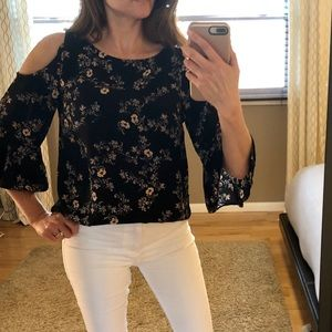 Mossimo floral cold shoulder top
